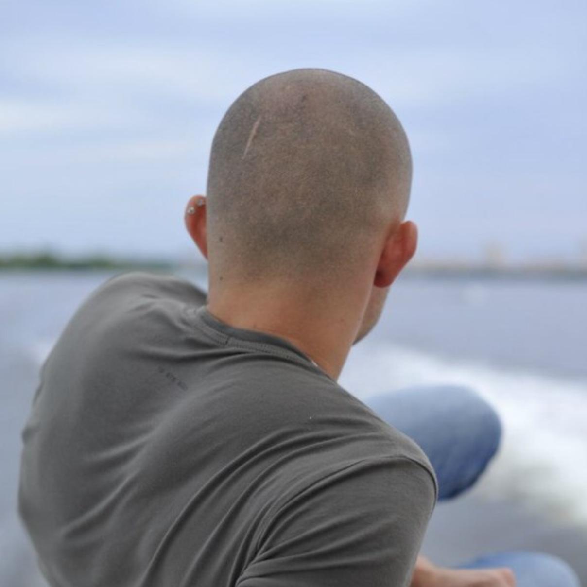 фото лысых мужчин со спины принципе, полезный инструмент